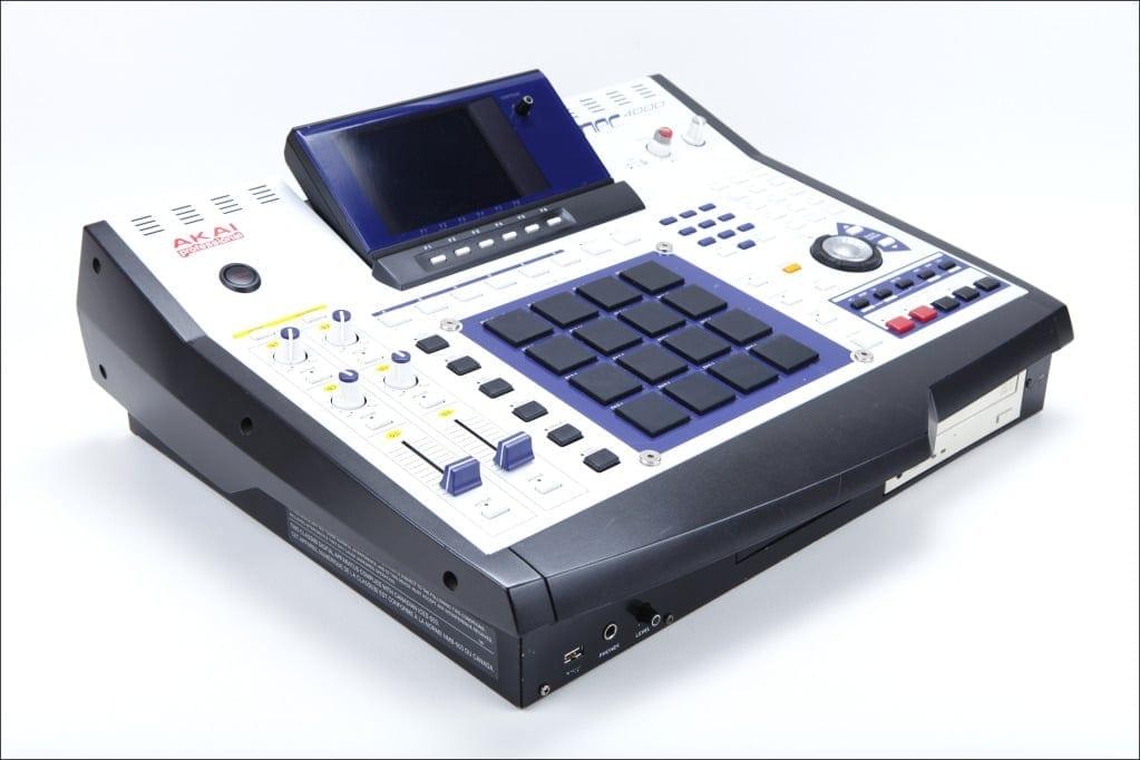 akai-mpc-4000-white